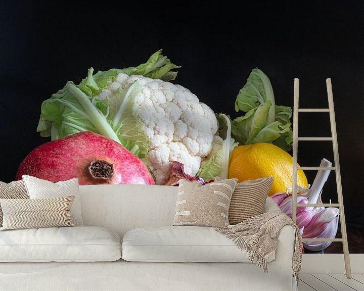 Sfeerimpressie behang: Stilleven met groenten en fruit l Food fotografie van Lizzy Komen