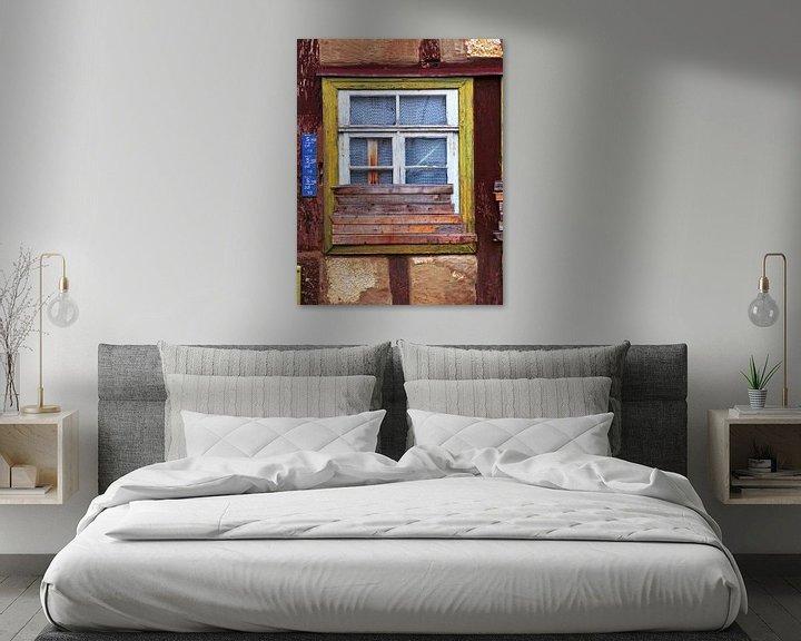 Beispiel: Beplankung.... (Halb zugemauertes altes Fenster) von Caroline Lichthart
