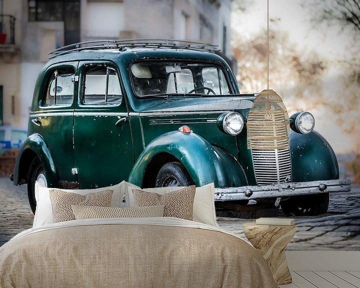Sfeerimpressie behang: Oude Klassieke groene Vauxhall 14-6 van Jan van Dasler