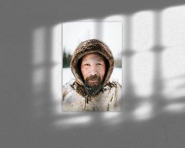 Piotr in Siberië | Portret fotografie winter sneeuw portretfoto man van Milene van Arendonk