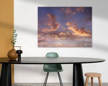 Oplichtende wolken van Lotte Veldt
