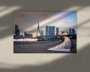 Sonnenaufgang an der Erasmusbrücke von Aziz Benz
