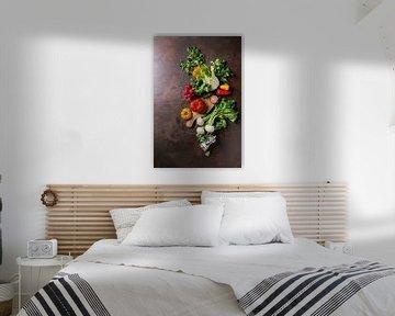SF 12484994 Verse groente op houten plank van BeeldigBeeld Food & Lifestyle