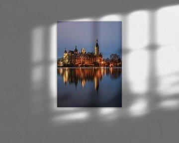 Schweriner Schloss bei Nacht von Robin Oelschlegel