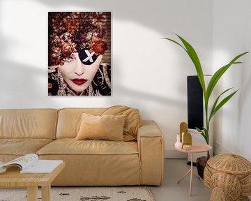 Madonna Madame X Portrait Vintage Blumen von Art By Dominic