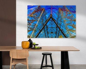Gebäude aus Glas mit Röhren von Anne Ponsen