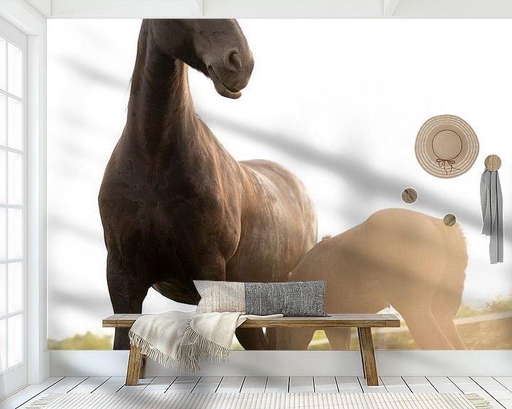 Impression: Un cheval fier avec un poulain au soleil sur Made By Jane