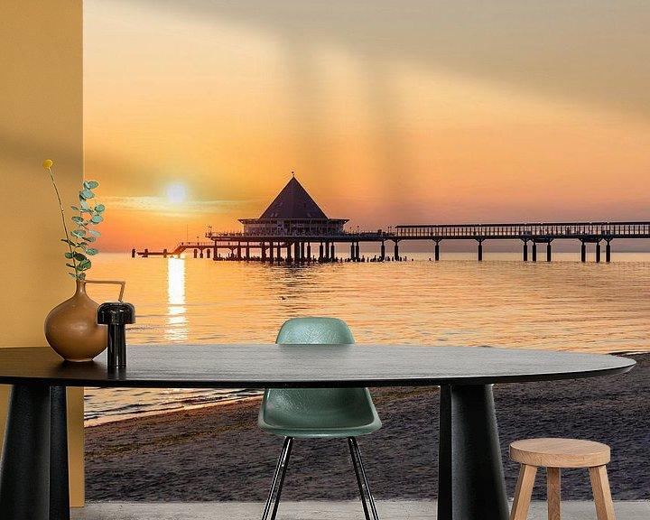Sfeerimpressie behang: Pier Heringsdorf bij zonsopgang van Werner Dieterich