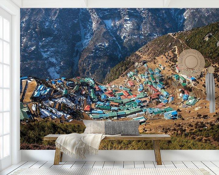 Sfeerimpressie behang: Namche Bazaar, Sagarmatha National Park, Nepal van Ton Tolboom