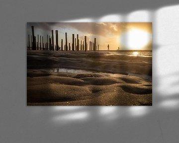 Zonsondergang aan zee (3) van Rob vlierd van de