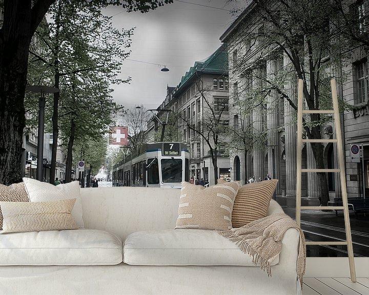 Sfeerimpressie behang: Tram in Zürich van Mark Bolijn