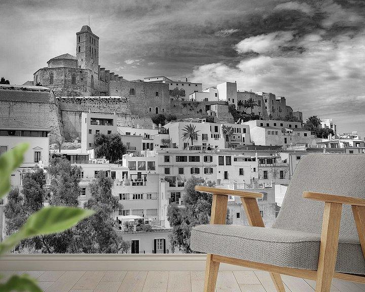 Sfeerimpressie behang: Ibiza-stad van Mark Bolijn
