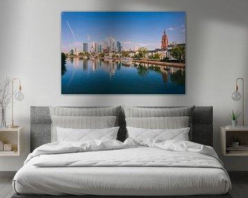 Skyline van Frankfurt Duitsland van Anouschka Hendriks
