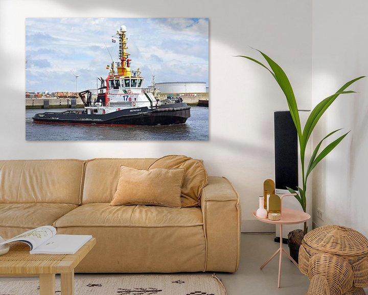 Sfeerimpressie: Sleepboot onderweg naar zijn werk van Piet Kooistra