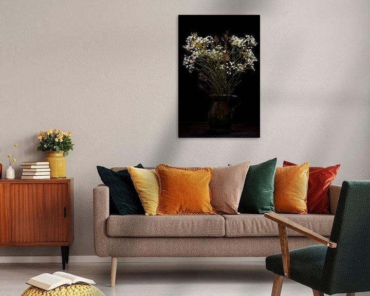 Beispiel: Stillleben Schleierkraut Blumen in Vase klassisch von Tessa Louwerens