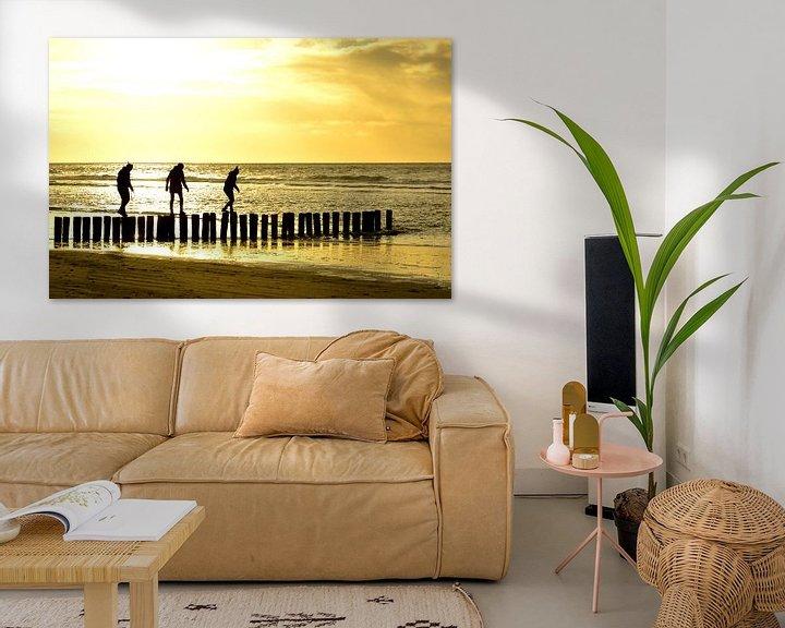 Sfeerimpressie: paaldansen op strand ameland van Erwin Reinders