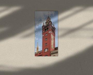 Turm des Basler Rathauses in der Schweiz von Joost Adriaanse