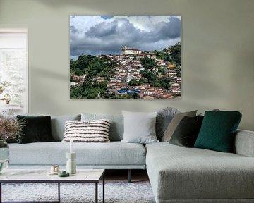 Straat naar top van heuvel in Brazilië van Hannon Queiroz