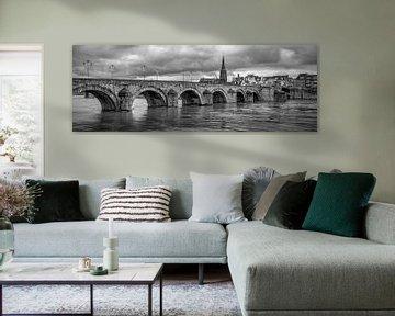 St.Servaos Brögk - Mestreech - St. Servatius Brücke, Maastricht in schwarz-weiß