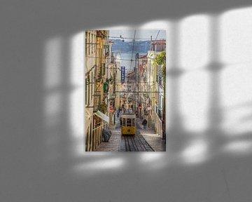 Gele tram in Lissabon van Bianca Kramer