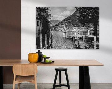 Schwarz-Weiß-Foto der alten Brücke in Sulzano, Italien von Olea creative design
