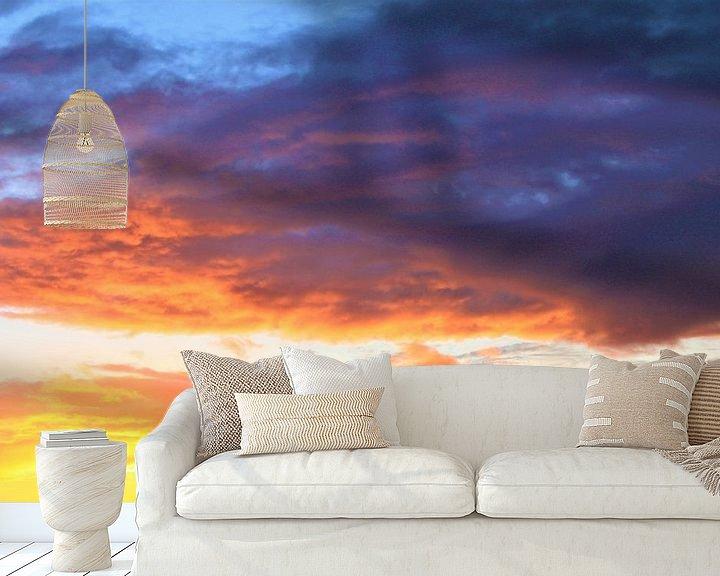 Sfeerimpressie behang: gouden wolken van Roger Hagelstein