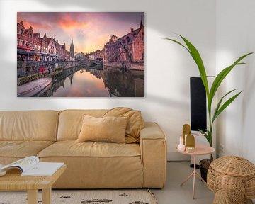Zonsondergang Rozenhoedkaai: het beroemdste plekje van Brugge van Daan Duvillier