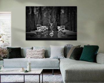 Partytisch im Wald von Joel Houbrigts