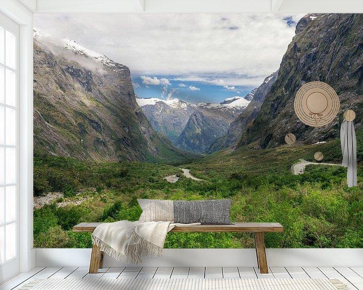 Sfeerimpressie behang: Uitzichten langs de Milfordroad in Nieuw-Zeeland van Linda Schouw