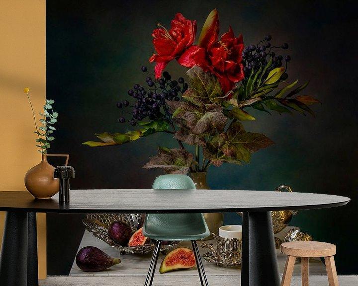Beispiel fototapete: Stilleben mit Feigen und Blumen mit Silbergeschirr. von Cindy Dominika