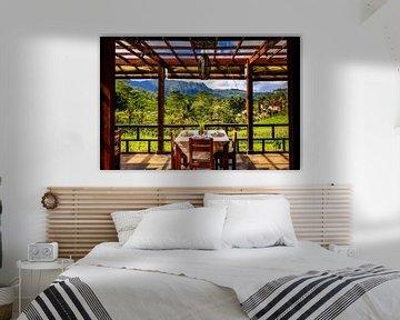Tafel in de rijstvelden Siedemen Bali van Fotos by Jan Wehnert