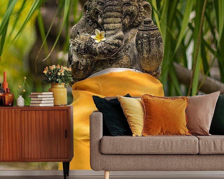 Sfeerimpressie behang: Bali-standbeeld voor een tempel van Fotos by Jan Wehnert