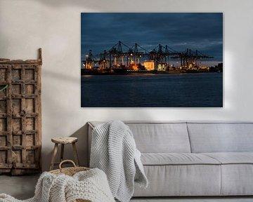 Le port de Hambourg la nuit
