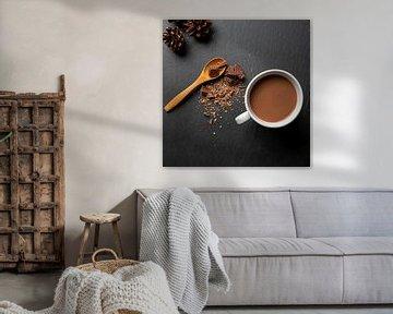 flat lay van een kop chocolademelk van Kim Willems