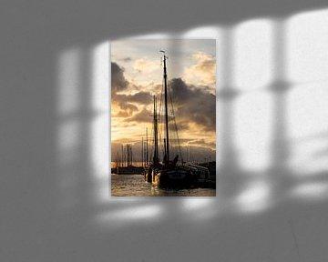 Haven van Zierikzee tijdens zonsondergang van Bert van Wijk