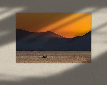 Visser bij zonsondergang van Fabrizio Micciche