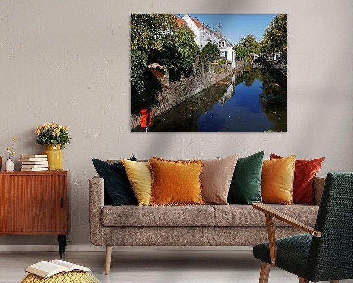 Sfeerimpressie: Gracht in de binnenstad van Amersfoort met uitzicht op Muurhuizen van Gert Bunt