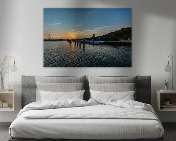 Sonnenuntergang am Hafen Altefähr, Insel Rügen von GH Foto & Artdesign