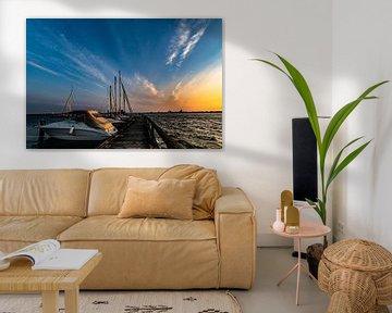 Zonsondergang bij de haven Altefähr, eiland Rügen van GH Foto & Artdesign