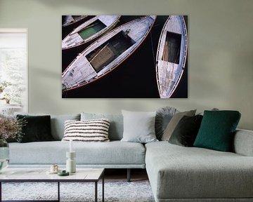 Vier schlanke Ruderboote. von Dick Termond