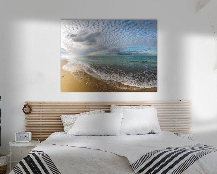 Sfeerimpressie: Lichtspel van wolken en zeenevels van Jan Huneman