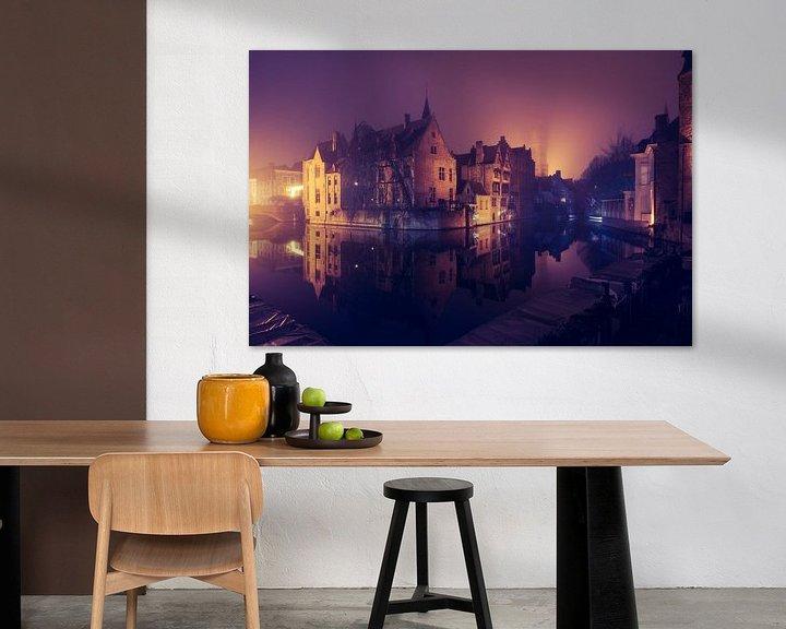Beispiel: Der Rozenhoedkaai bei Nacht: Der berühmteste Platz von Brügge von Daan Duvillier
