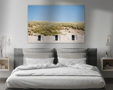 Strandhäuser am Meer am Strand und in den Dünen von Schoorl, entlang der niederländischen Küste | Fi von Evelien Lodewijks