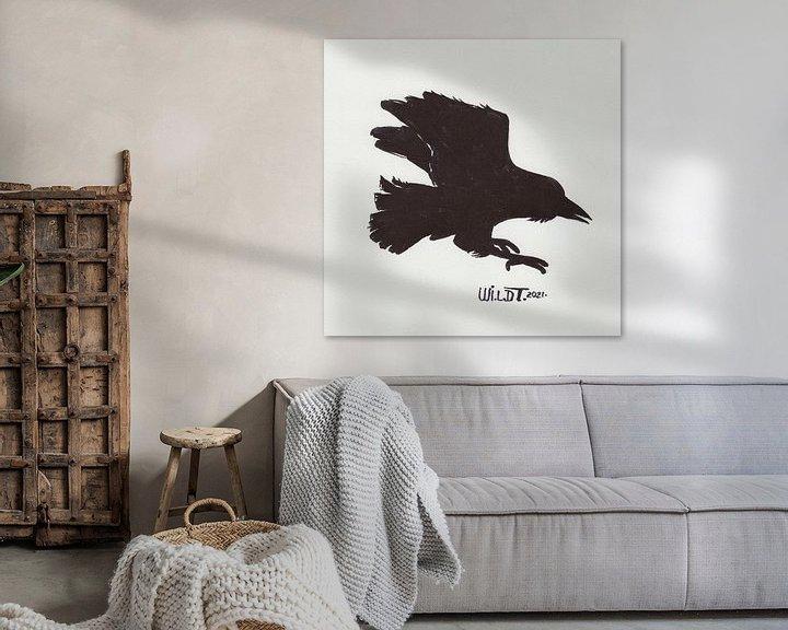 Sfeerimpressie: Silhouet van een vliegende raaf van Wieland Teixeira