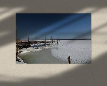 zugefrorene See im Fischerhafen Klein Zicker von GH Foto & Artdesign