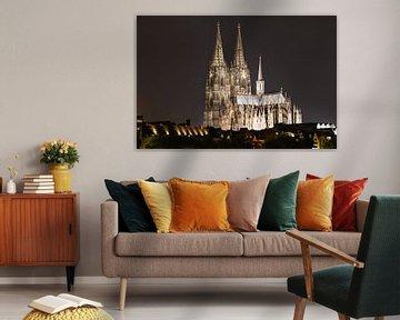 Beleuchteter Kölner Dom bei Nacht von Tom Voelz