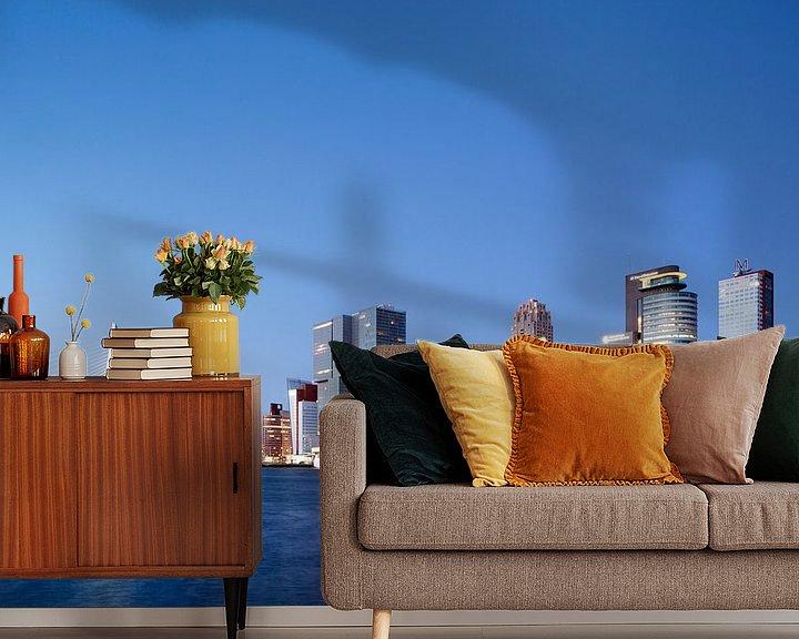 Sfeerimpressie behang: Kop van Zuid in Rotterdam met cruise schip tijdens schemering van Peter de Kievith Fotografie