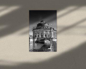 BERLIN Monbijou Bridge & Bode Museum | Monochrom van Melanie Viola