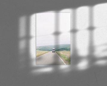 On the road - Oldtimer Mercedes camper vanlife in Duitsland van Milou van Ham