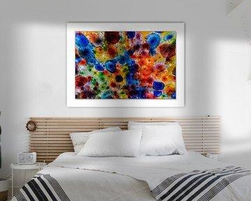 Glas mit Blumen im Rahmen von Ruud de Soet